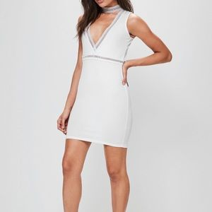 MISSGUIDED WHITE CHOKER LACED DRESS
